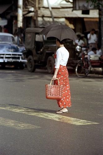 ၁၉၇၂ ခုနှစ်က ရန်ကုန်မြို့ (ဓာတ်ပုံ: Nick DeWolf)