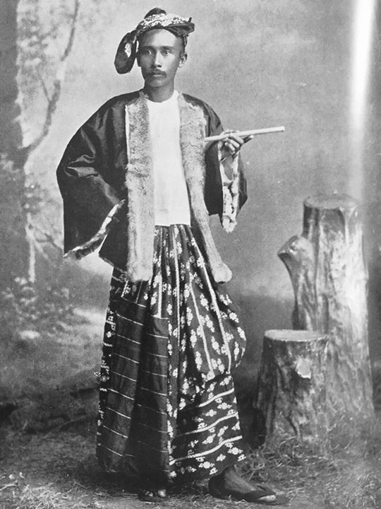 The origin of today's Myanmar men's outfit