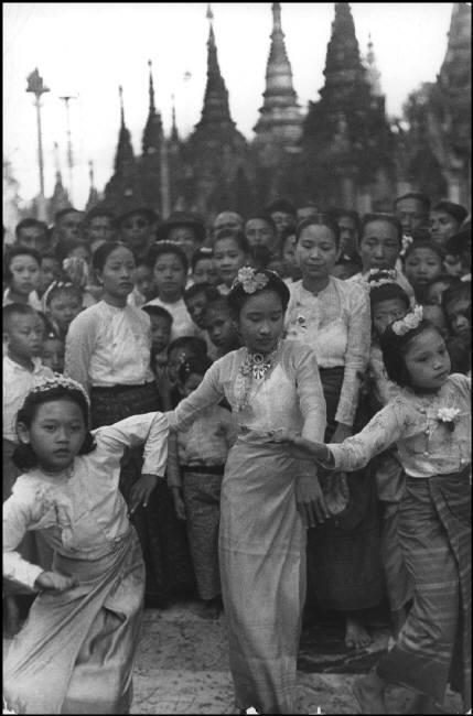 ဟိုတစ်ခေတ်က ခမ်းခမ်းနားနား ရှိလှခဲ့သော မြန်မာပြည်ပုံရိပ်