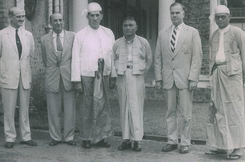 မြန်မာနိုင်ငံ၏ တိုင်းတစ်ပါးသား အကြံပေးများ