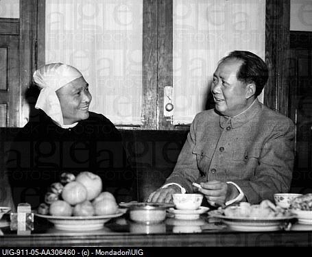 ဝန်ကြီးချုပ်ဦးနု၏ ၁၉၅၄ ခုနှစ် တရုတ်နိုင်ငံ ခရီးစဉ်