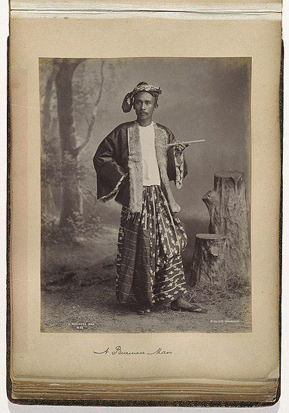 """၁၈၈၇ ခုနှစ် """"မြန်မာလုလင်တစ်ဦး"""" ၏ ဓာတ်ပုံ။"""